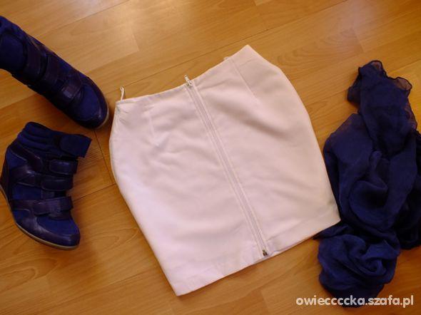 biała zip M
