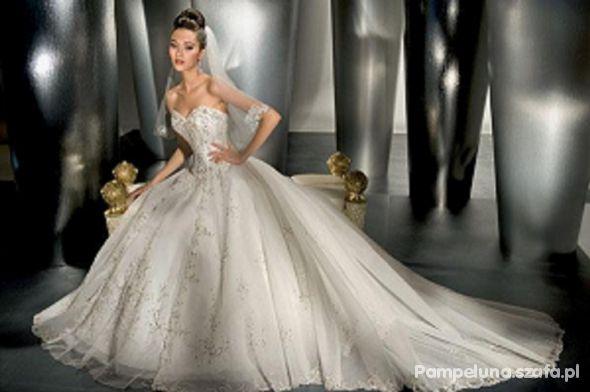 Na specjalne okazje suknia marzeń