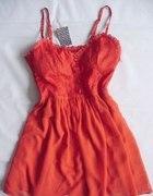 Czerwona sukienka hm koronka