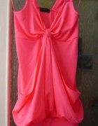 Poszukiwane neonowe mini sukienki