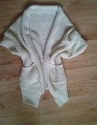 Sweter narzutka rozmiar uniwersalny