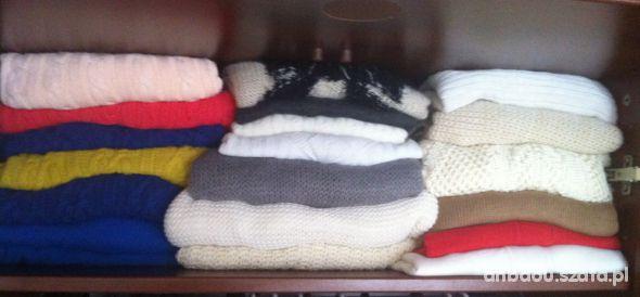 Swetry Troche z kolekcji sweterkow