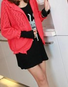 czerwony sweter gruby