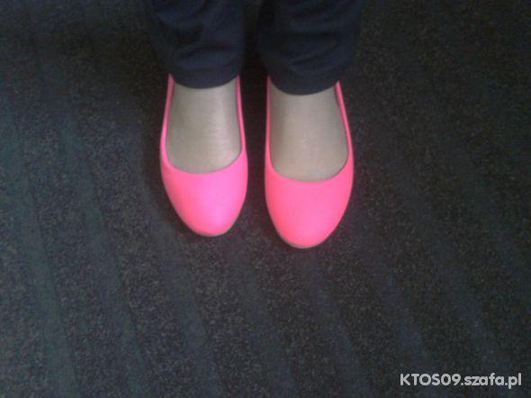 Neonowe balerinki...