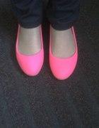 Neonowe balerinki