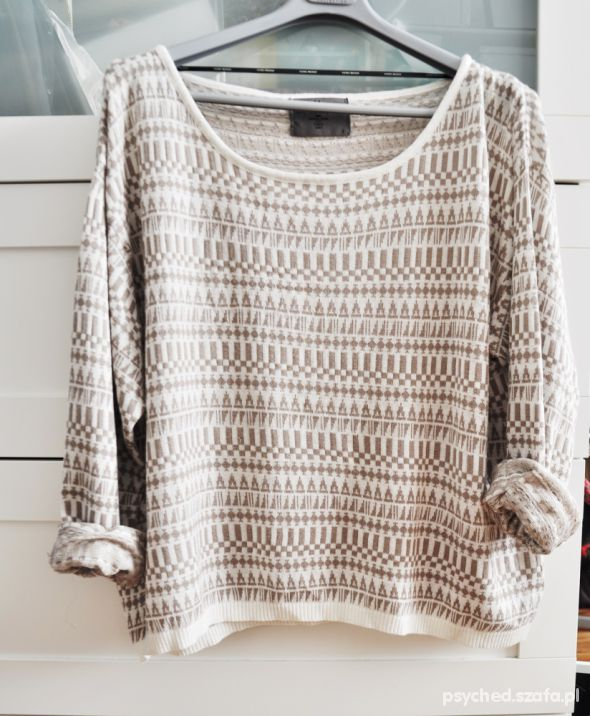 delikatny sweter