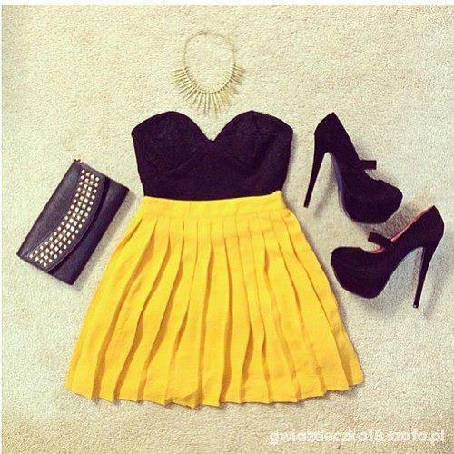 Mój styl Bralet oraz neonowa spódniczka