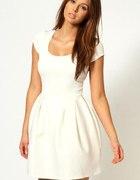 mała biała sukienka Asos dokładnie taka