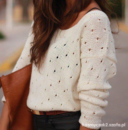 Mój styl Delikatny beżowy sweterek