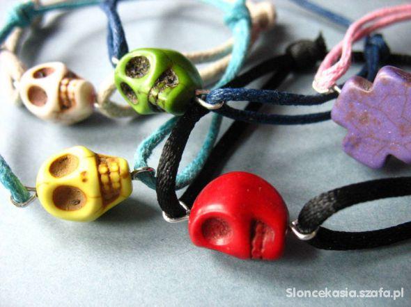 sznurkowe bransoletki czaszki