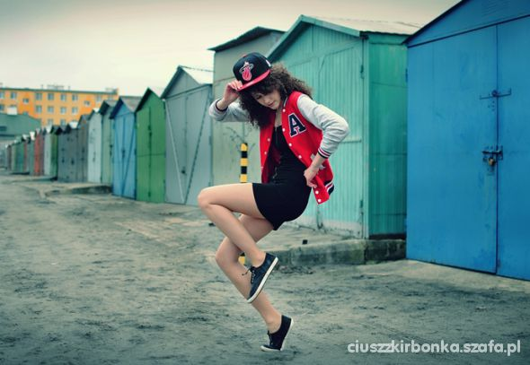 Blogerek Sukienka ZIP bejsbolówka