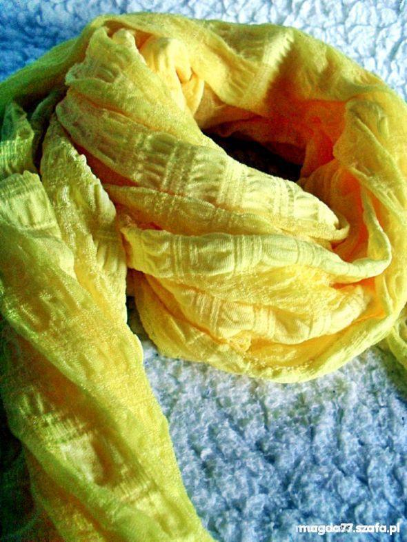 Chusty i apaszki WIOSENNY Kanarkowy szaliczek