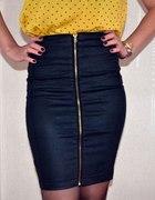 Skórzana spódnica z zamkiem z przodu