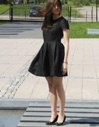Czarna lniana sukienka bombka