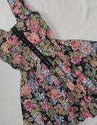 Śliczna sukienka z Asos