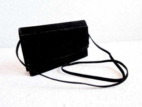 czarna zamszowa torebka wieczorowa w Torebki wieczorowe