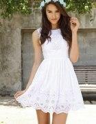 zwykła prosta biała sukienka