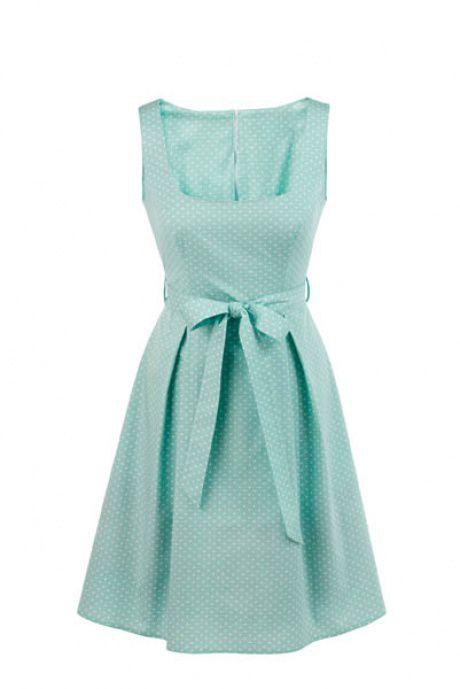 sukienka w stylu lat 50