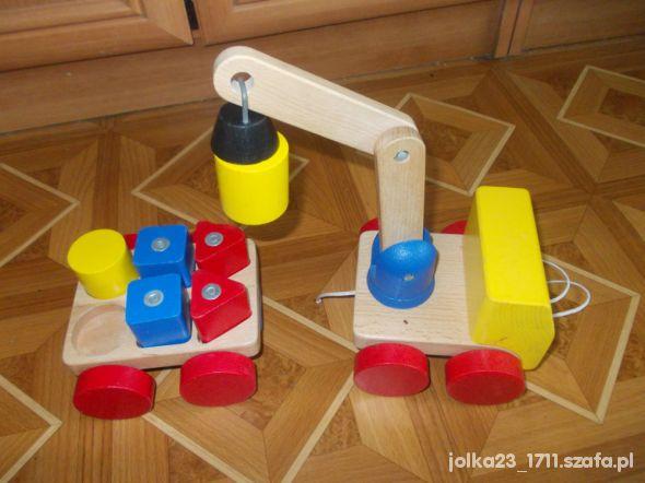 Zabawki drewniany dzwig z przyczepką plus klocki na magnes