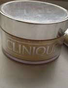 Clinique Rednes Solutions sypki puder