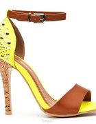 neonowe sandałki...