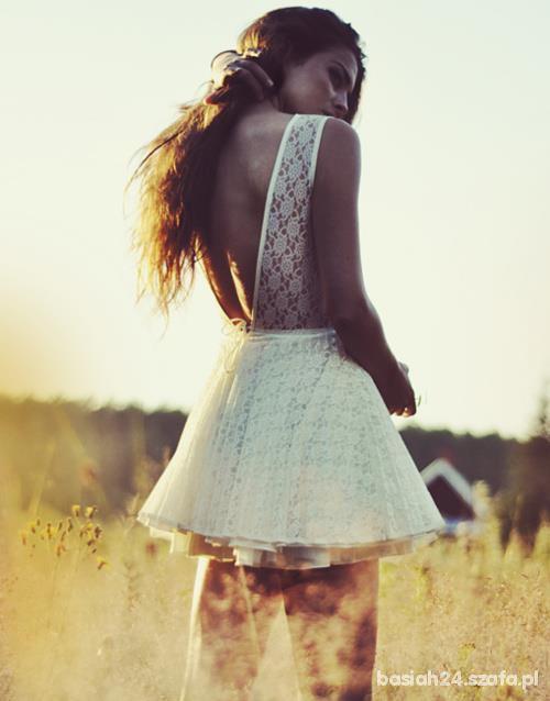 b9383cd7a3 sukienka koronkowa bez pleców w Suknie i sukienki - Szafa.pl