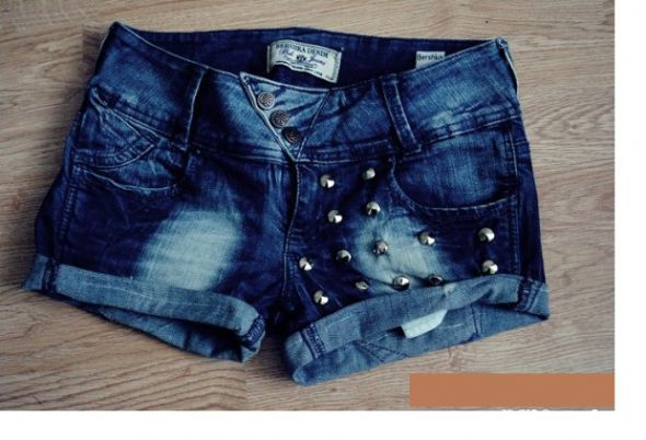 Bershka jeansowe szorty...