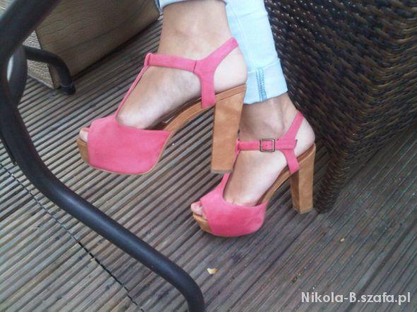 Mój styl kolorowe sandały