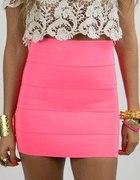 neony dalej w modzie