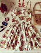 Poszukiwana sukieneczka