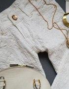 Drapowane białe spodnie