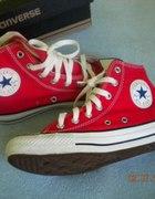 Czerwone Converse