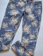 Spodnie W Pastelowe Kwiaty