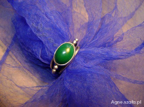 pierścionek z malachitem