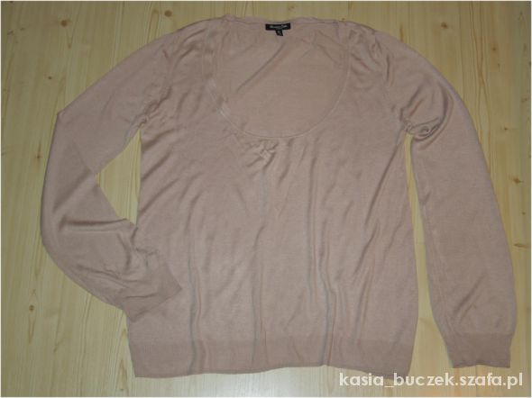 Swetry Pudrowy sweterek oversize