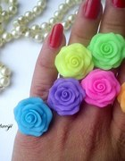 Neonowe pierścionki