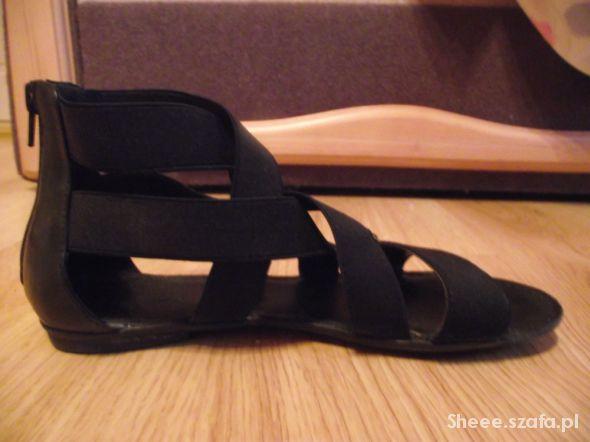 czarne sandalki