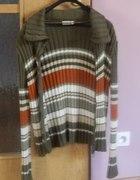 militarny rozpinany sweter...