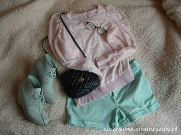 Pastelowy outfit