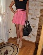 Romantyczny zestaw różowa spódniczka