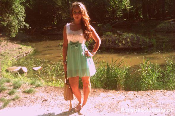 Mój styl Miętowa sukienka z kokardą