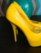 Czólenka żółte