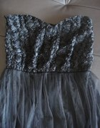 modowa sukienka