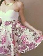 Rozkloszowana sukienka S