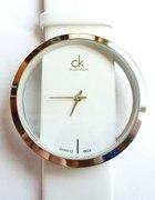 Biały elegancki zegarek