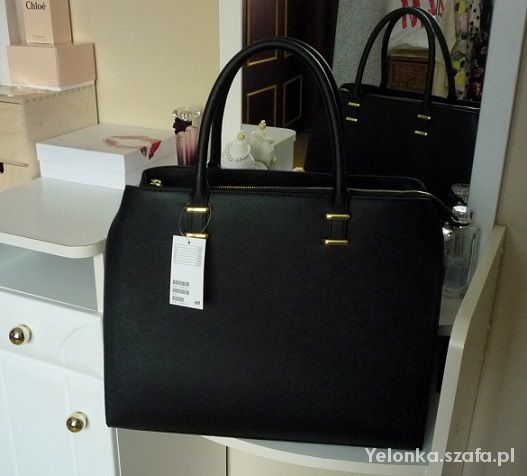 H&M czarna torebka kuferek