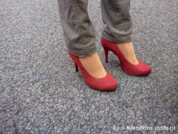 Obuwie Czerwone szpilki
