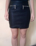 Nowa skórzana spódnica z zipami 36