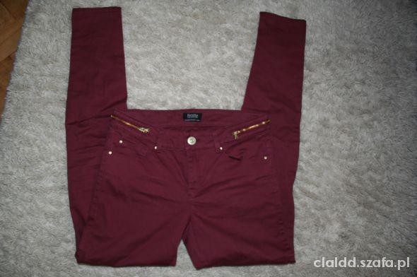 Spodnie buraczkowe BERSHKA 36