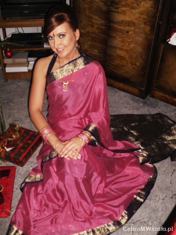 Eleganckie Różowo złote sari